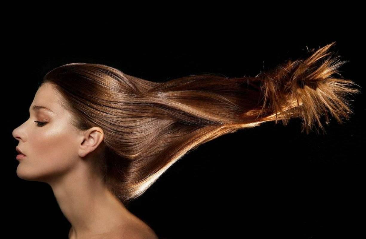 Come trattare i capelli grassi
