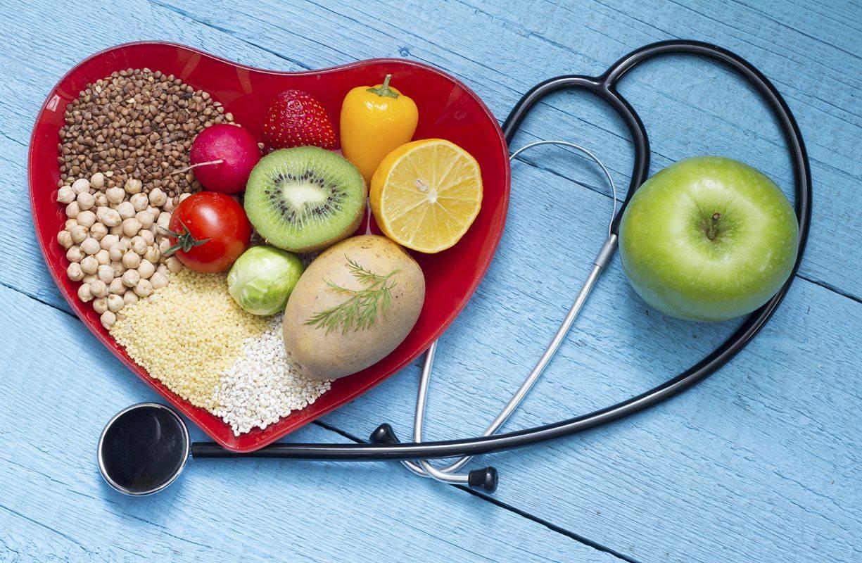 Gli alimenti consigliati per difendersi dal colesterolo