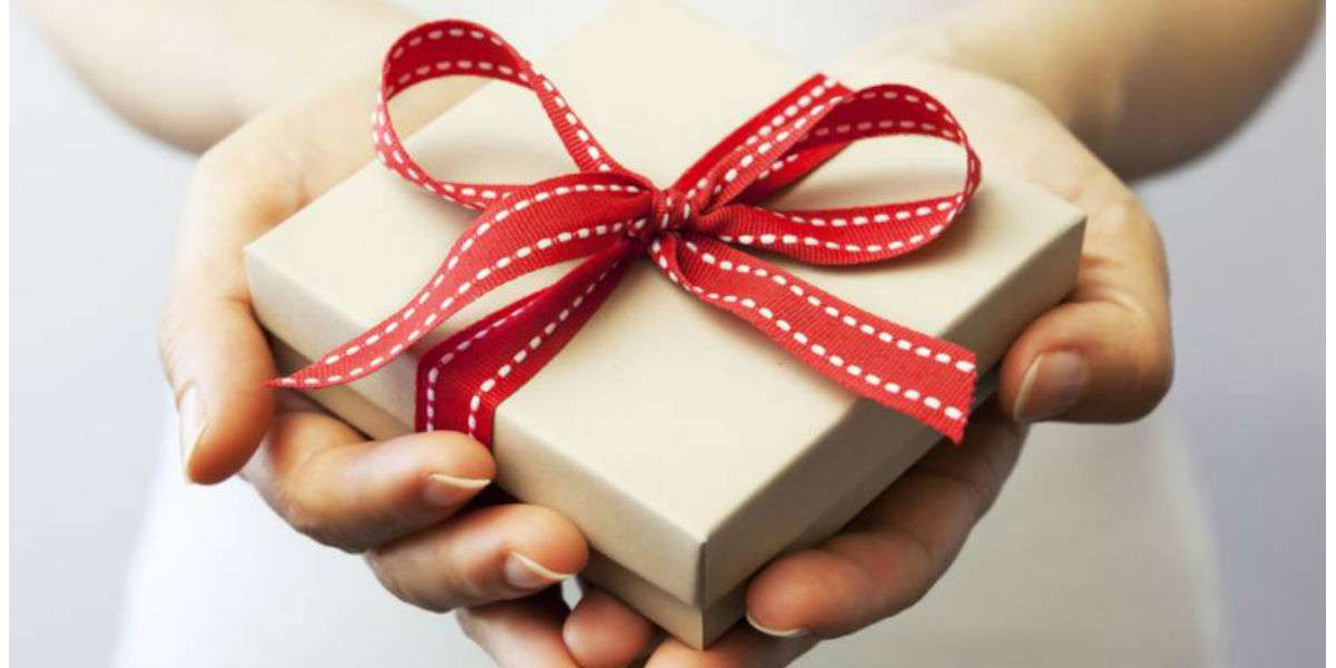 Preparazione confezioni regalo