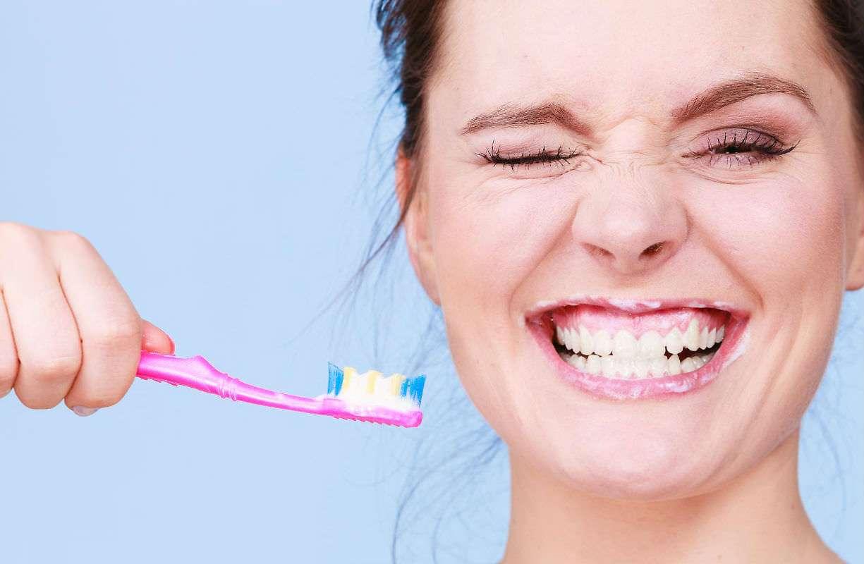 10, 17 e 24 APRILE - Acquista 2 prodotti di igiene dentale e riceverai in omaggio uno spazzolino