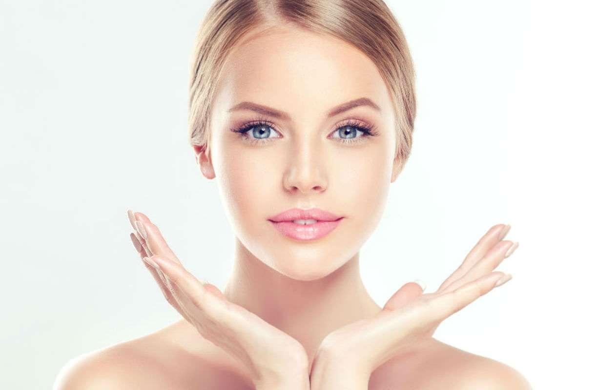Trattamento al viso con vitamina C