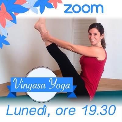 Vinyasa Yoga Online Lunedì h. 19.30