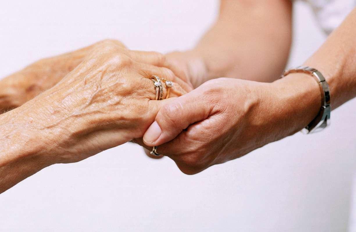 Sei una persona anziana che vive sola?