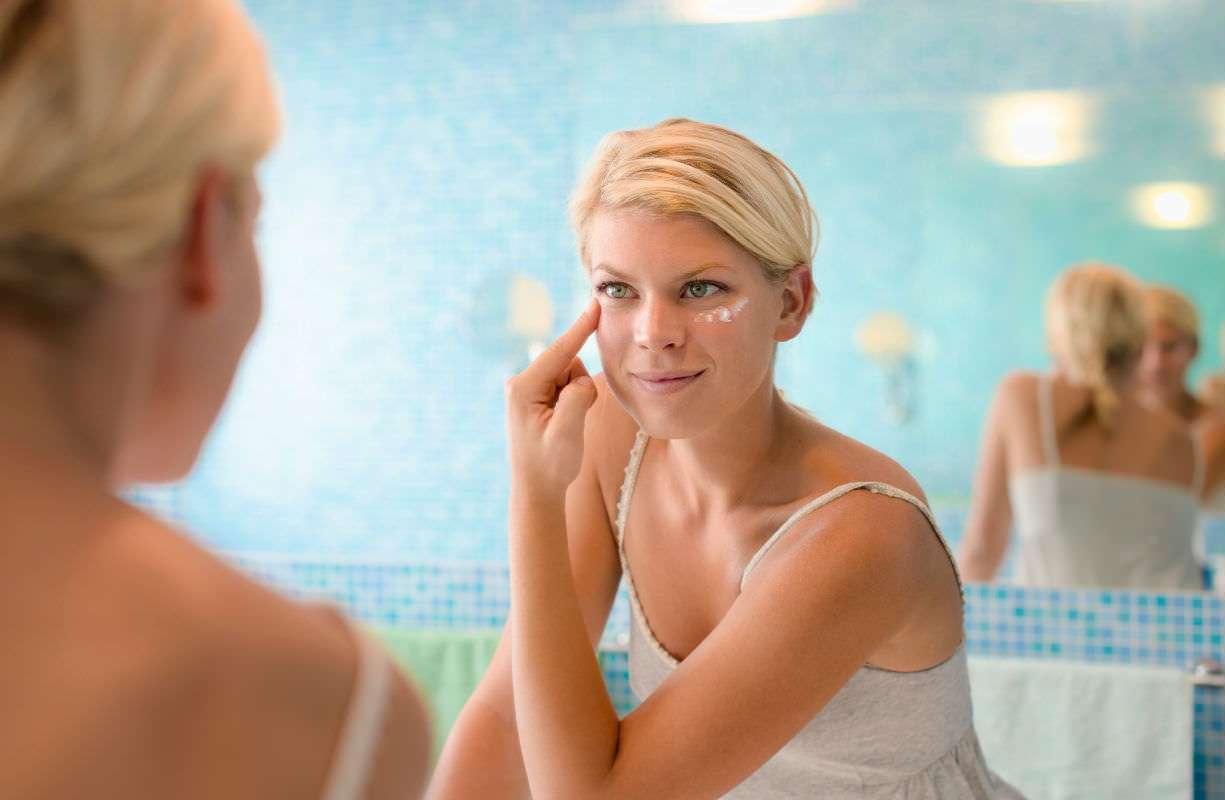 8 e 9 MARZO - Solo di mattina prenota il tuo appuntamento per il trattamento gratuito di lifting facciale di fillerina