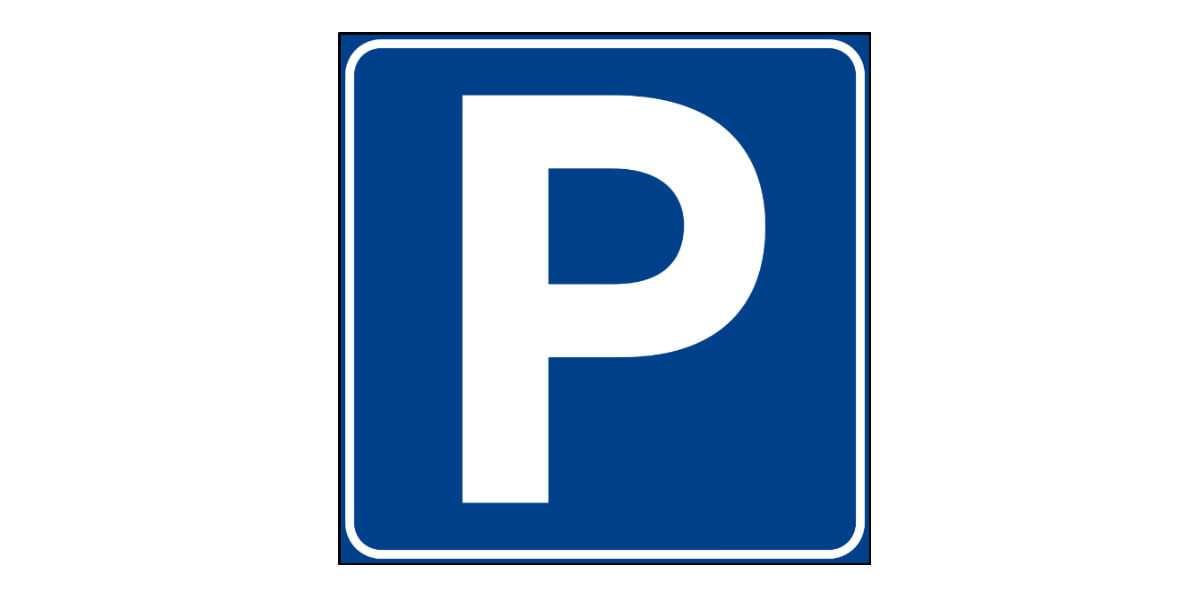 Ampio e comodo parcheggio