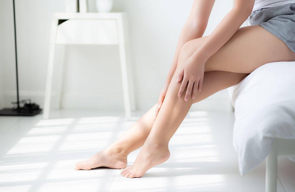Insufficienza venosa arti inferiori: cause, sintomi e terapie