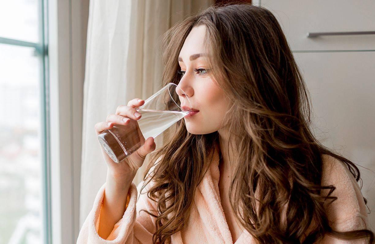 Un corpo idratato è un corpo in salute, bere acqua fa bene