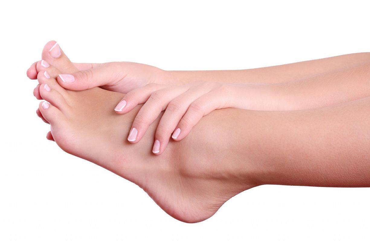 Micosi alle unghie di mani e piedi (onicomicosi): sintomi e rimedi